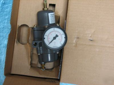 Fisher pressure supply regulator 67CFR-226 w/ gauge